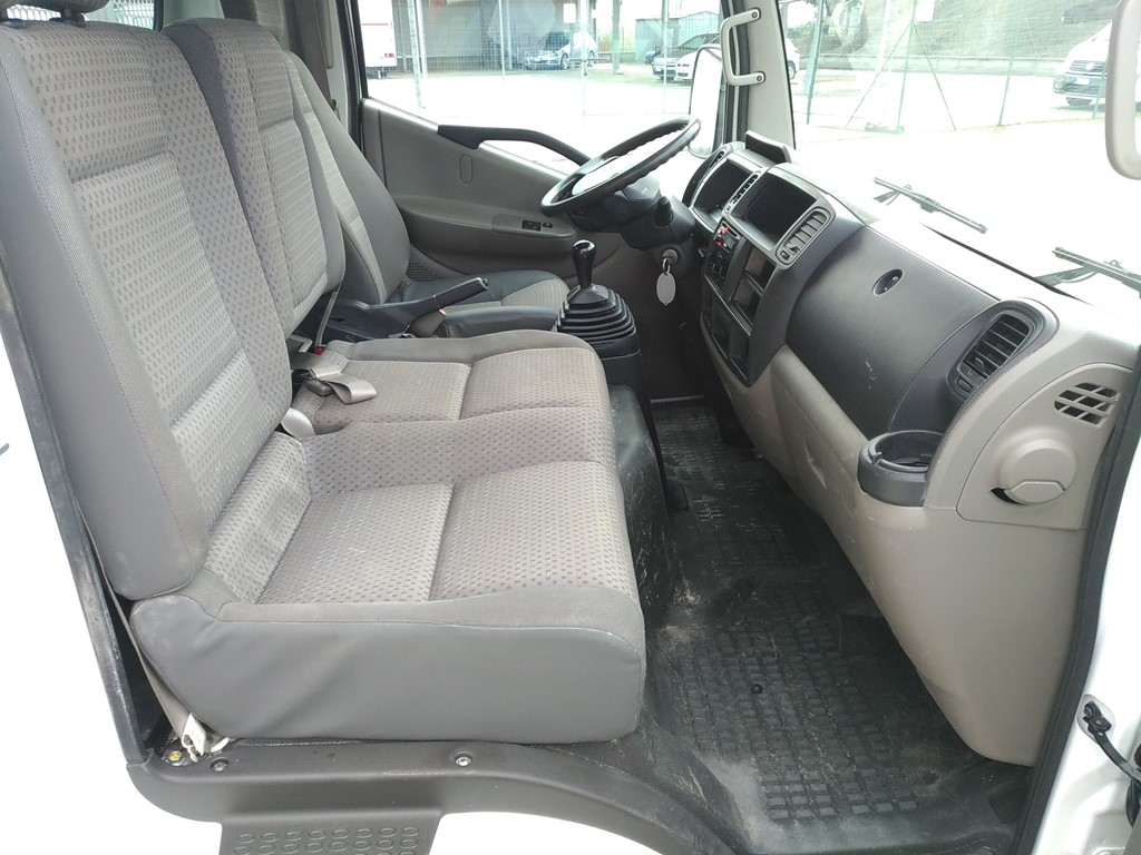 Nissan Cabstar 35.11 ribaltabile trilaterale